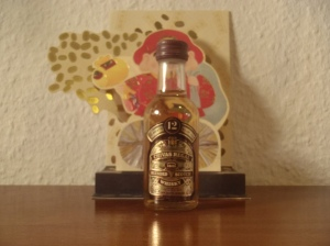 thesophisticatedcollector.wordpress.com miniautur bottle pt 5 Chivas Regal 80´s