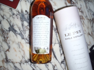 https://thesophisticatedcollector.files.wordpress.com/2014/01/hennessy-le-peu-cognac-thesophisticatedcollector-com-back.jpg